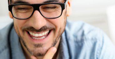 Blodprovet på carlanderska - bildlänk till varför blodprov - leende man